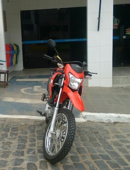 Legislativo alagoagrandense adquiri uma Motocicleta zero Km
